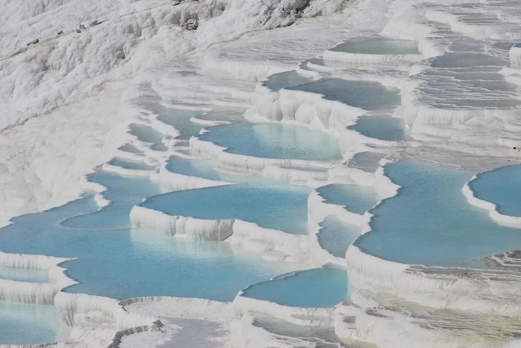 A picture of the Pamukkale Pools in Denizli Province, one of the beautiful natural attractions in Turkey.
