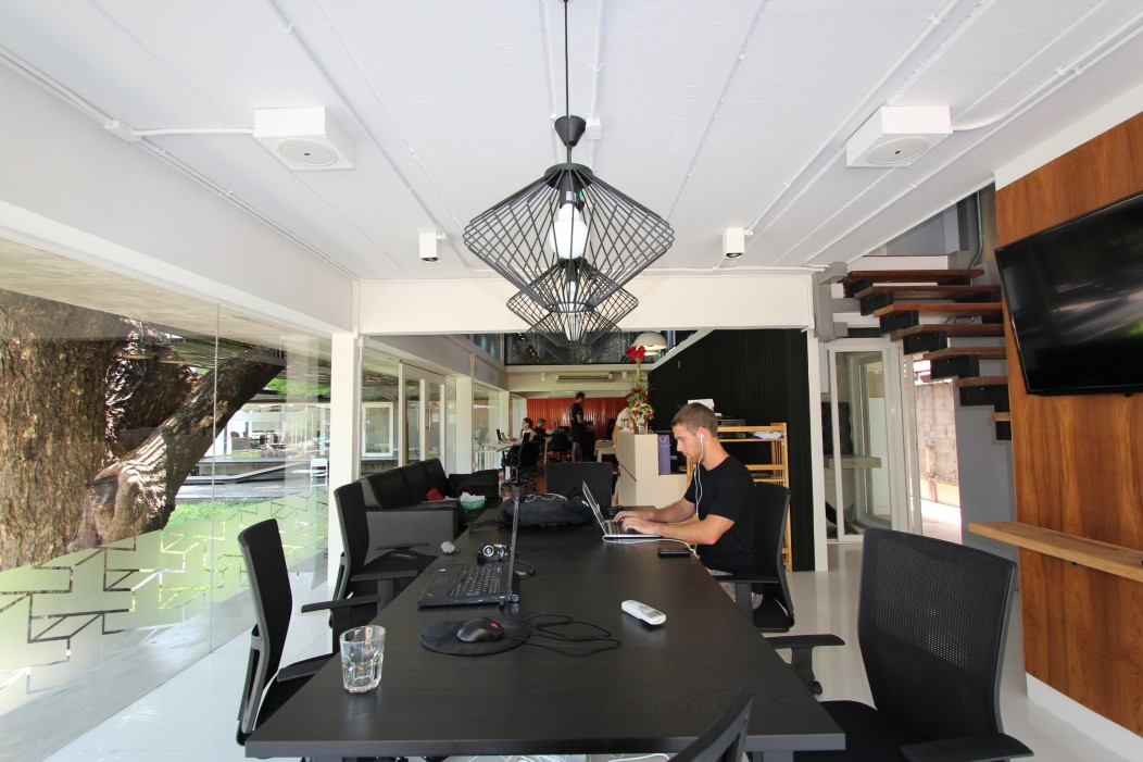 Best coworking spaces in chiang mai banker in the sun for Space and co